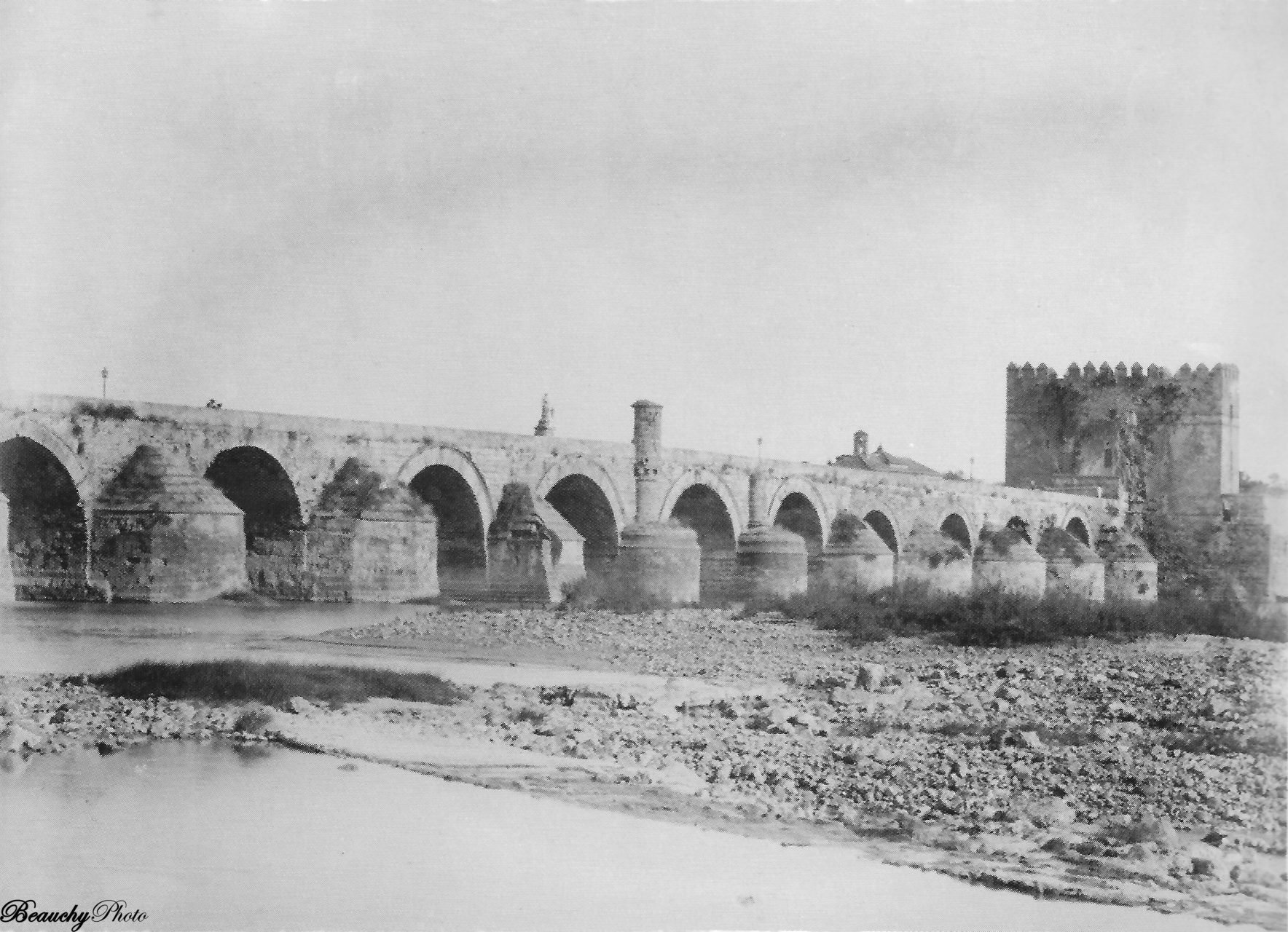 beauchyphoto_cordoba_vista-del-puente_c-1880_emilio_beauchy_cano_fotografias_antiguas_postales_vistas_y_monumentos