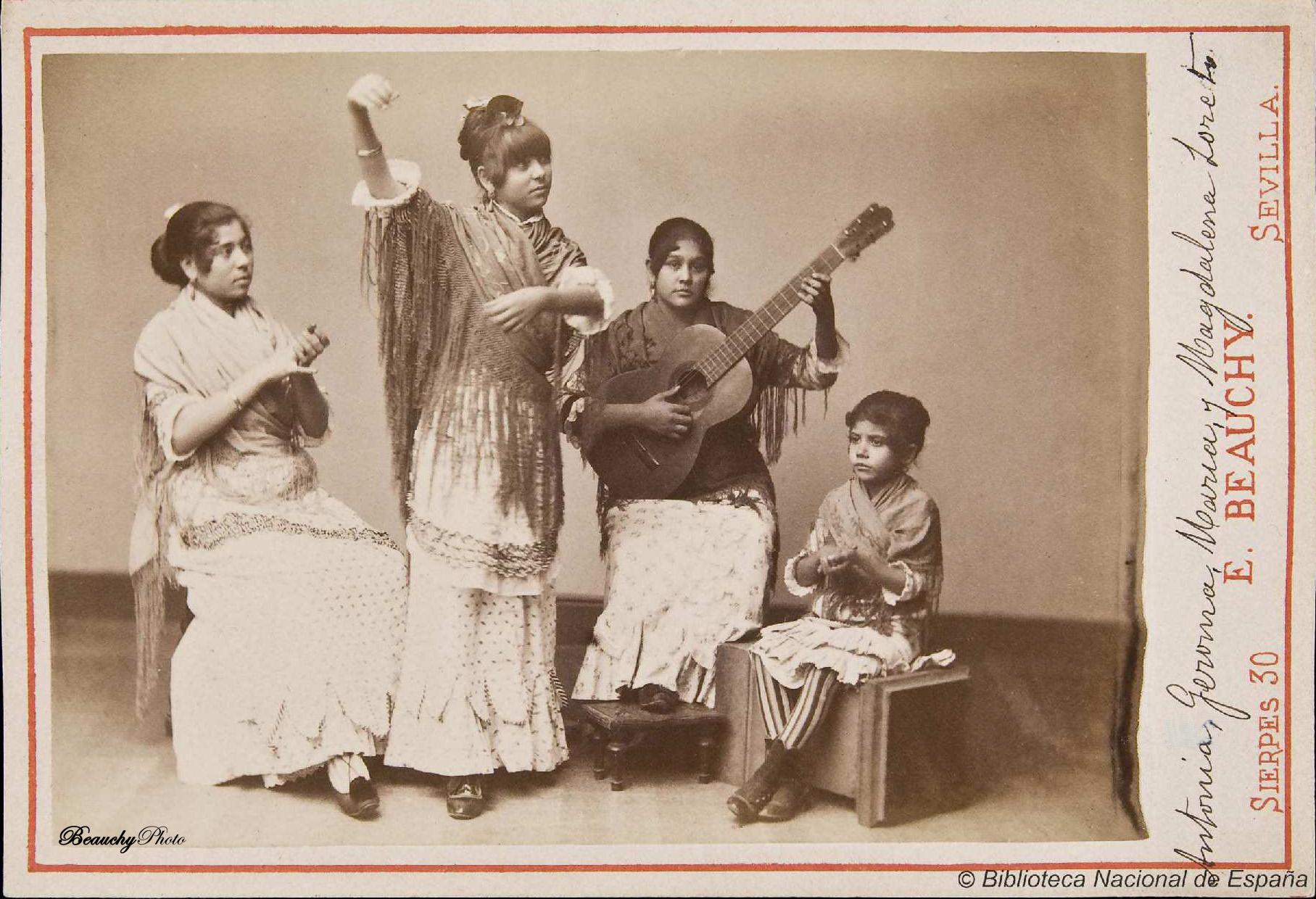 beauchyphoto_grupo_flamenco_femenino_de_antonia_jeroma_maria_y_magdalena_loreto_emilio_beauchy_cano_fotografias_antiguas_postales_retratos