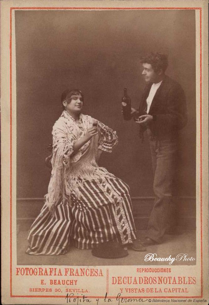 beauchyphoto_la_jeroma_sentada_y_rojitas_de_pie_bebiendo_emilio_beauchy_cano_fotografias_antiguas_postales_retratos_flamenco
