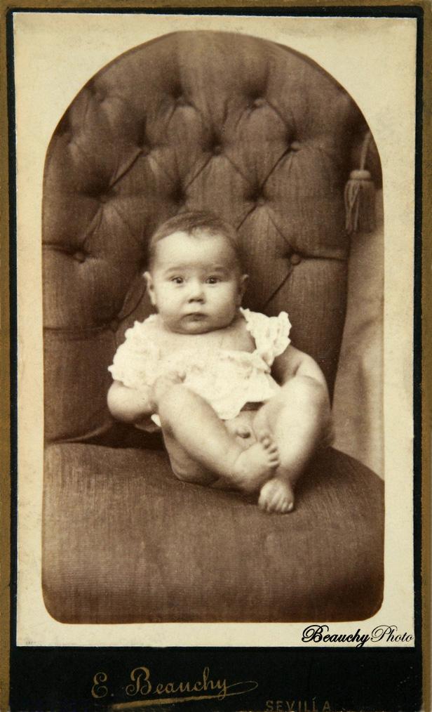 Bebé sentado