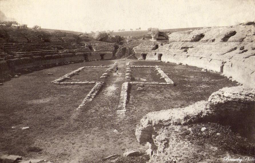 Beauchyphoto_Ruinas_de_Itálica_Anfiteatro_2_Emilio_Beauchy_Cano_fotografias_antiguas_postales_vistas_y_monumentos