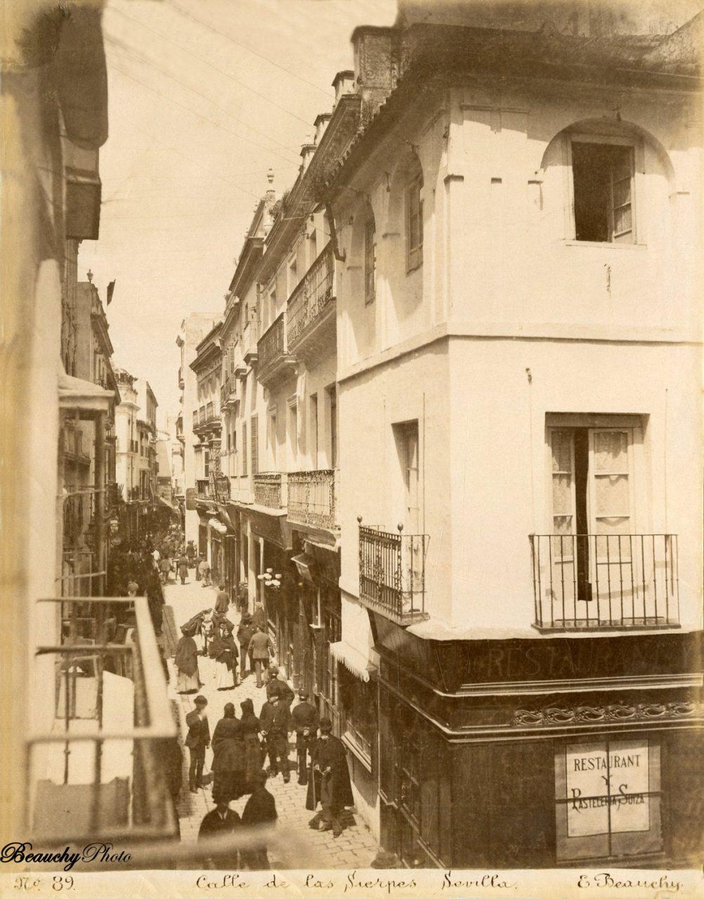 Beauchyphoto_Calle_de_las_Sierpes_02_Emilio_Beauchy_Cano_fotografias_antiguas_postales_vistas_y_monumentos