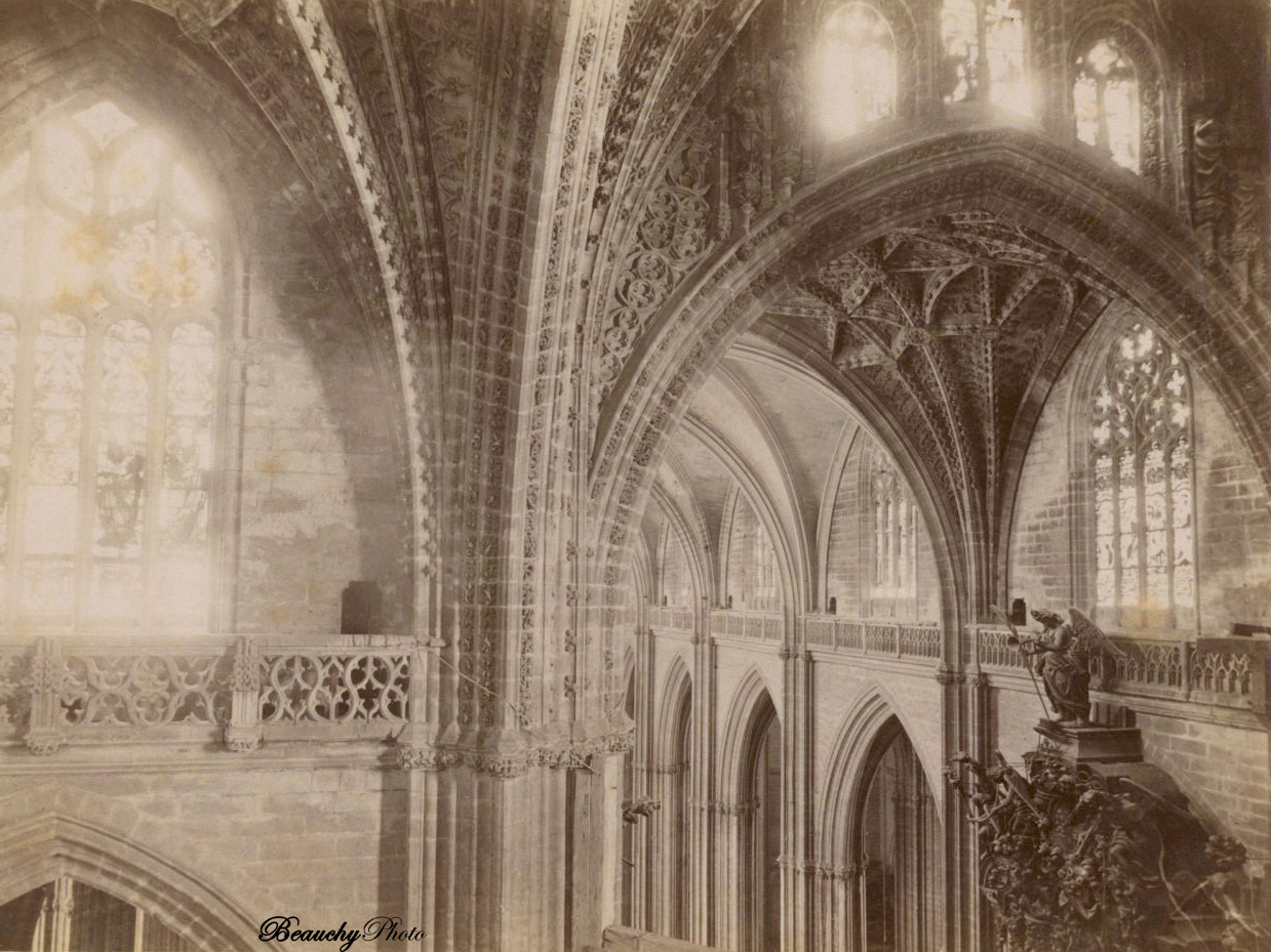 Beauchyphoto_Interior_Catedral_parte_alta_Crucero_Sevilla_c.1875_Emilio_Beauchy_Cano_fotografias_antiguas_postales_vistas_y_monumentos
