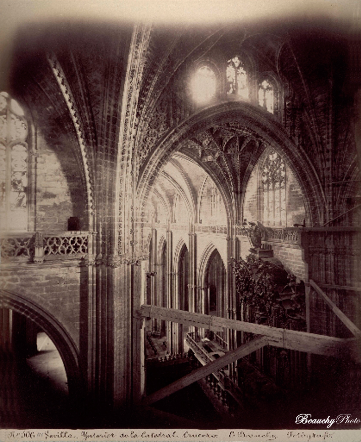Beauchyphoto_Interior_de_la_Catedral_Crucero_Sevilla_Emilio_Beauchy_Cano_fotografias_antiguas_postales_vistas_y_monumentos