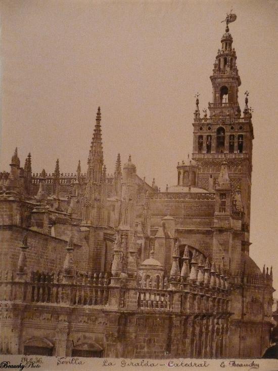 Beauchyphoto_La_Giralda_Catedral_Sevilla_1890_1900_Emilio_Beauchy_Cano_fotografias_antiguas_postales_vistas_y_monumentos