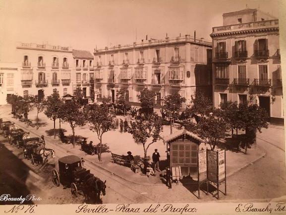 Plaza del Pacífico o de la Magdalena