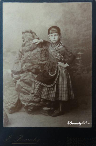 Retrato de niña desconocida