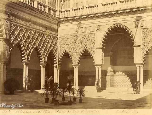 Beauchyphoto_Alcázar_de_Sevilla_Trono_del_Tributo_en_el_Patio_de_las_Doncellas_c1885_Emilio_Beauchy_Cano_fotografias_antiguas_postales_vistas_y_monumentos
