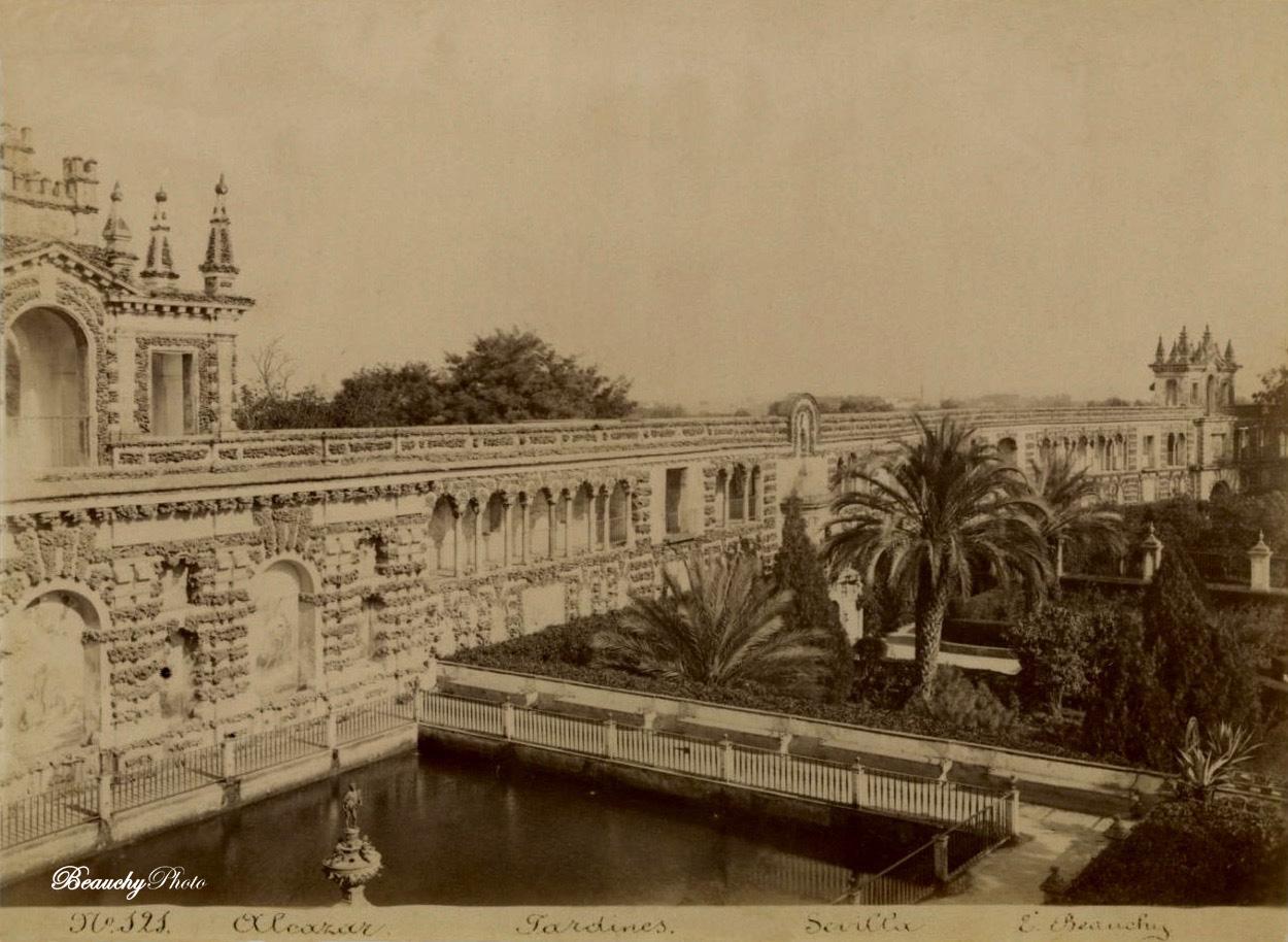 Estanque de Mercurio y Galería del Grutesco en los Jardines del Alcázar 1870