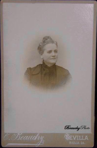 Retrato de una mujer para un medallón