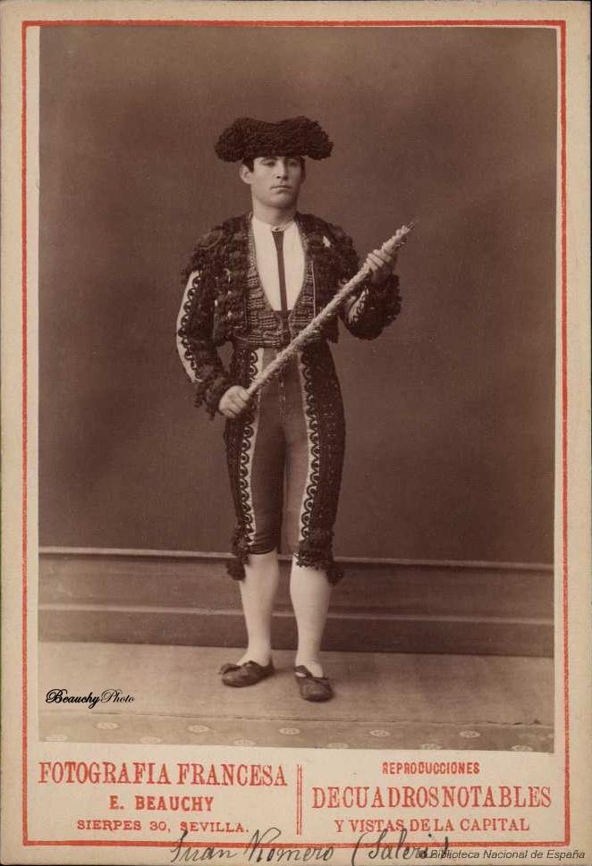 Torero Juan Romero Saleri con banderillas