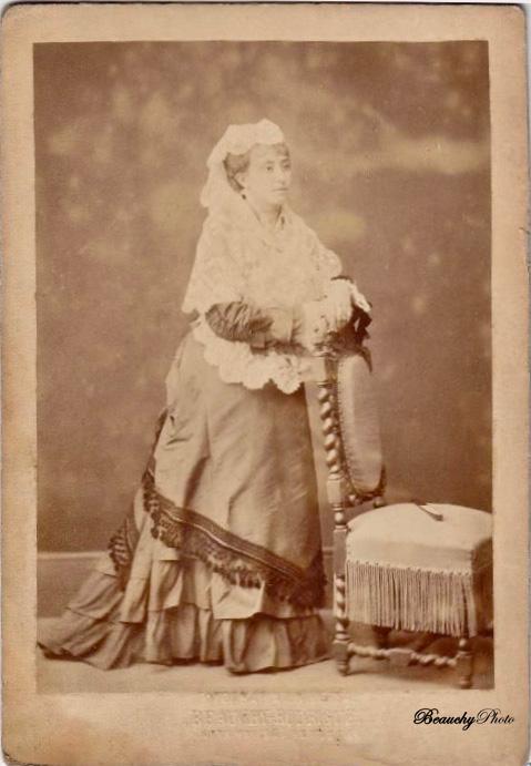 Retratos de Señoras desconocidas (ByRguez)
