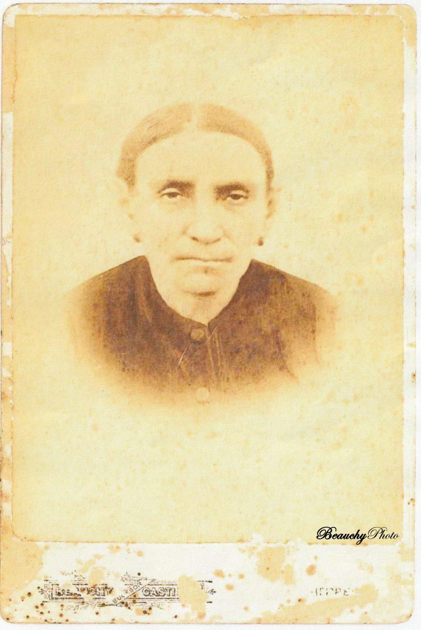 Josefa Mena García, de Utrera