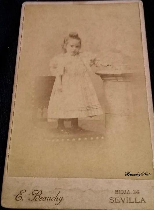 Niña antepasado de Patricia Roxana