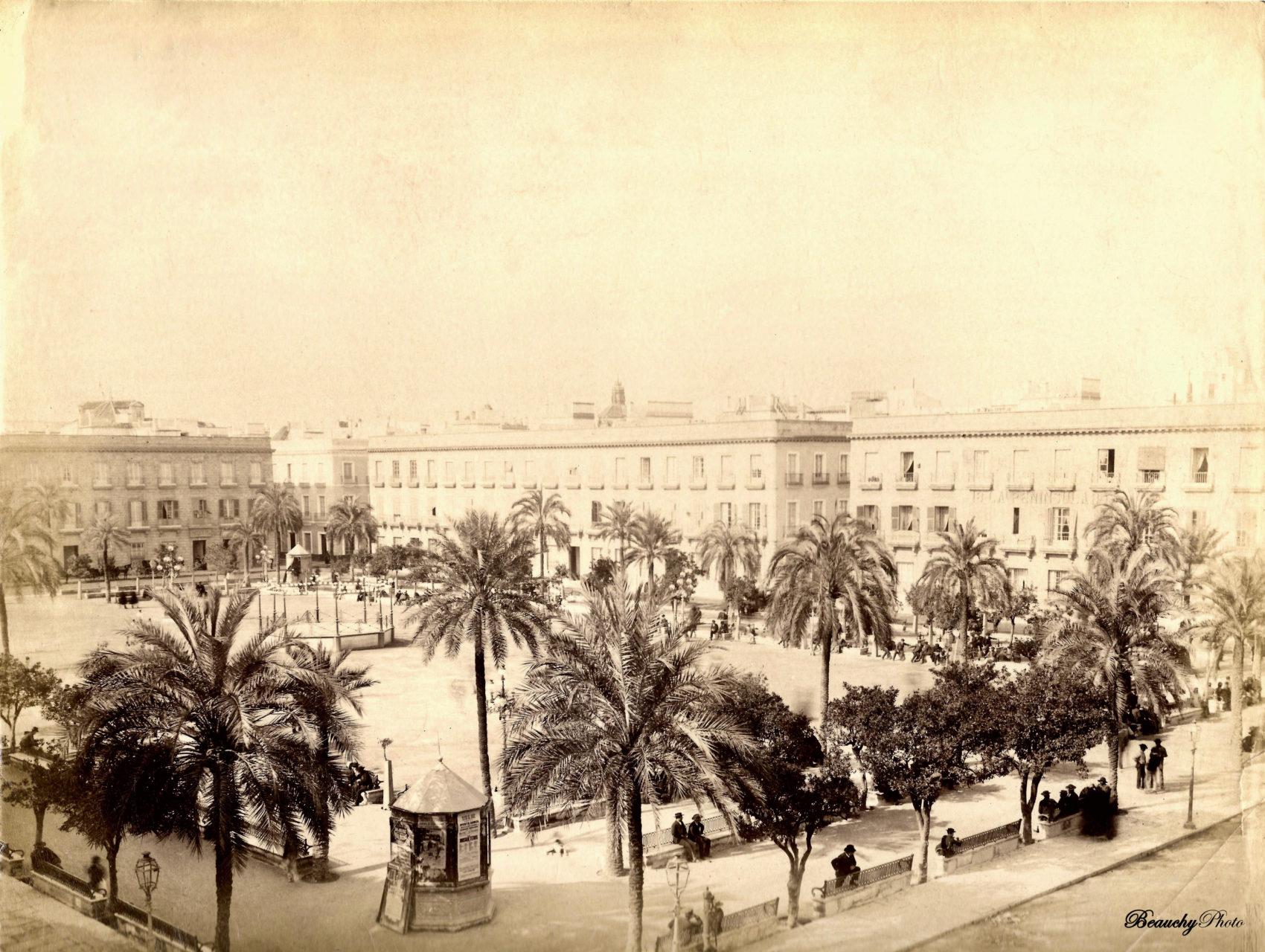Vistas de la Plaza de San Fernando de Sevilla