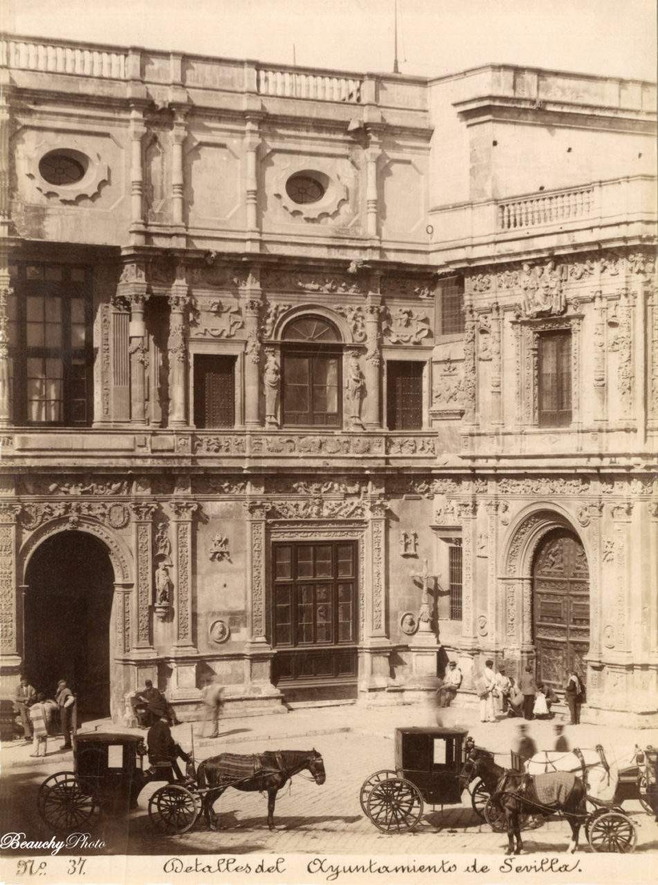 Detalles del la fachada del Ayuntamiento de Sevilla 1875
