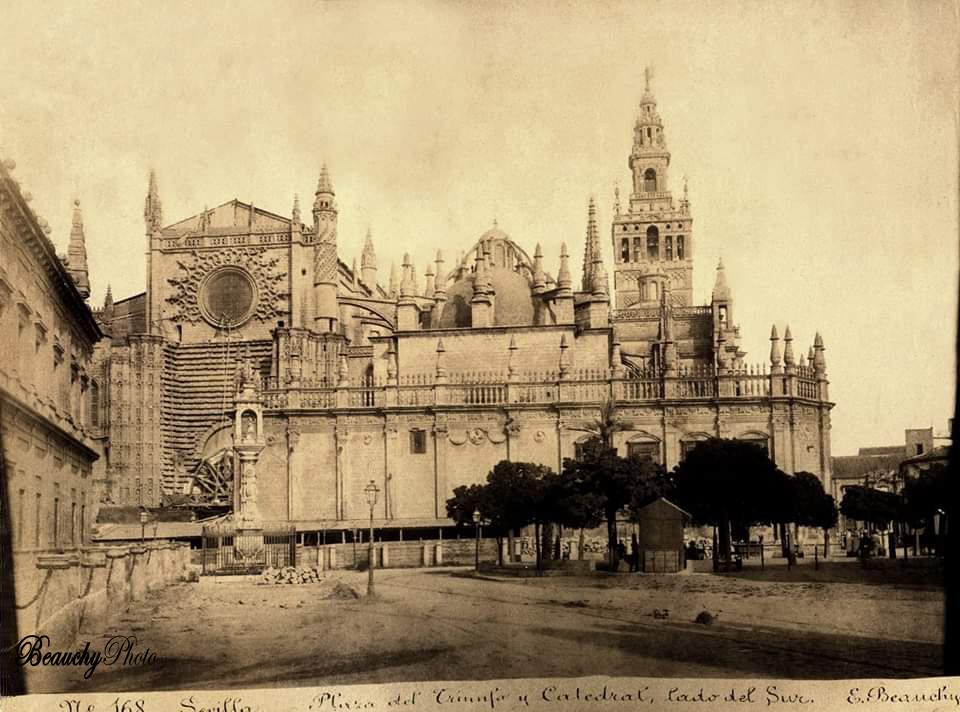 Beauchyphoto_Plaza_del_Triunfo_y_Catedral_lado_Sur_Emilio_Beauchy_Cano_fotografias_antiguas_postales_vistas_y_monumentos
