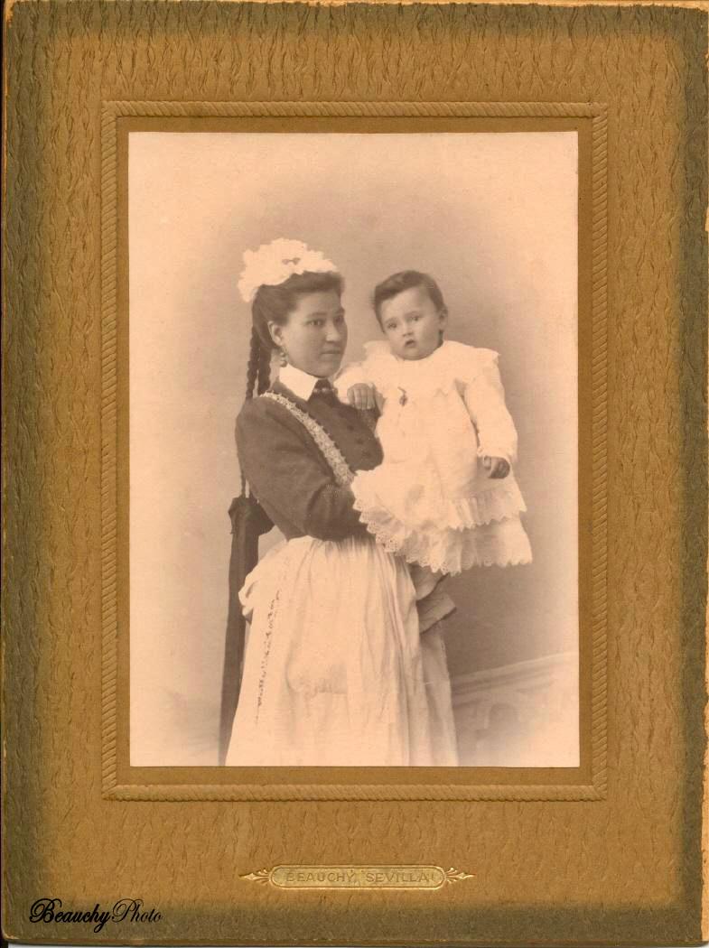 Ama de cría con niño 02 (1904)
