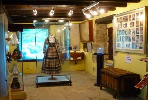 Exposición en el Museo de las Amas de Cría Pasiegas (Cantabria)